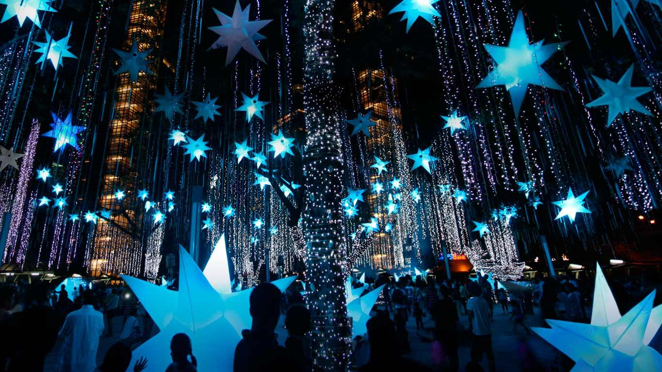 Holiday-light-display-in-Makati-City-Manila-Luzon-Island-Philippines-20121222
