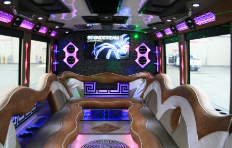 7 Tips for Renting a Party Bus